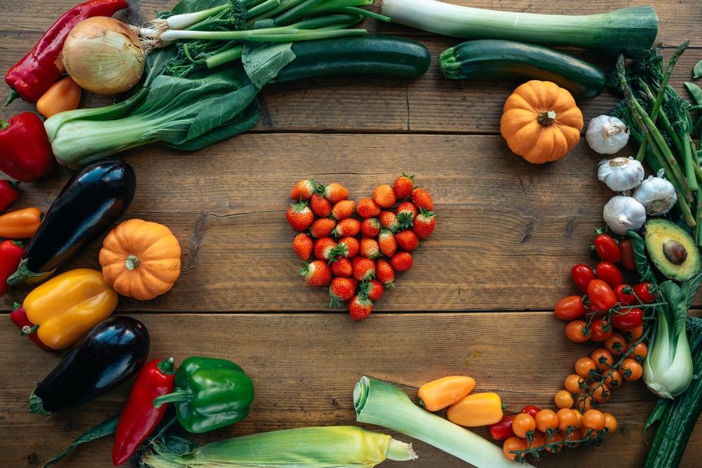 verschiedene Sorten Obst und Gemüse