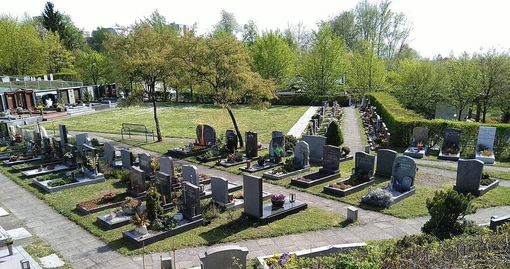 Gräber in den Sektionen B und E