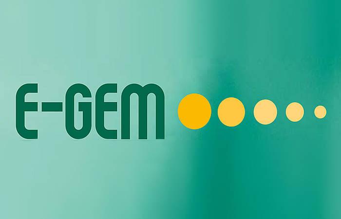 Logo E-Gemeinde, grüner Hintergrund mit dunkelgrünem Schriftzug: E-Gem und 5 gelben Punkten, die immer kleiner werden