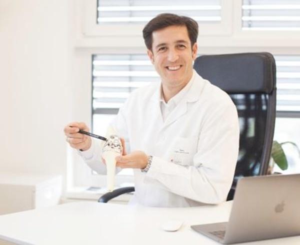 Dr. Bernhard Schauer: Hüft- und Kniegelenksersatz - vom Beginn zur modernen Hightech Operation