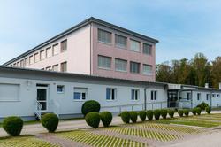 Gebäude der Neuen Mittelschule Doppl